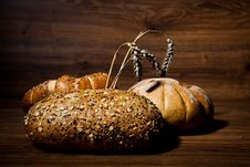 Free Composition Of Fresh Bread Royalty Free Stock Images - 21002109