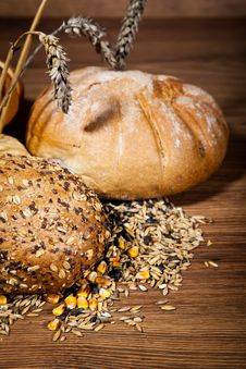 Free Composition Of Fresh Bread Royalty Free Stock Image - 21002136