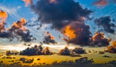 Free Sunrise On A Cloudy Day Royalty Free Stock Photo - 21006185