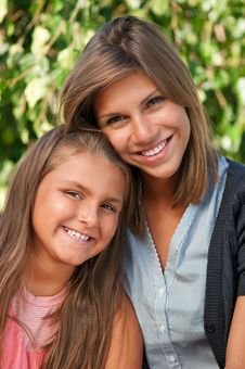 Free Happy Sisters Stock Image - 21010081