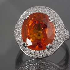 Free Garnet And Diamonds Ring Royalty Free Stock Photos - 21011428