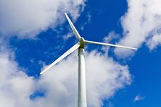Free Wind Turbine And Blue Sky Royalty Free Stock Photo - 21012645