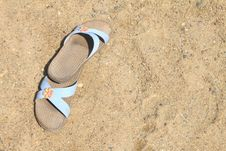 Free Flip-flop On Sand Royalty Free Stock Images - 21018989