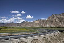 Free Highway Near Lhasa Stock Photo - 21020110