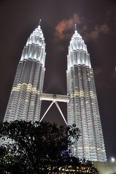Free Twin Tower Night Scene Stock Photo - 21020130