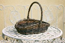 Free Wicker Basket Royalty Free Stock Images - 21021179