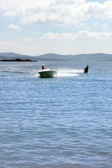 Free Water Skiing In Ireland Royalty Free Stock Photos - 21021198