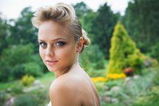 Free Beautiful Bride In White Dress Stock Photos - 21023703