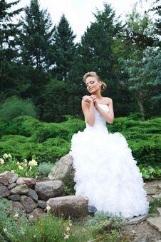 Free Beautiful Bride In White Dress Stock Photo - 21023830