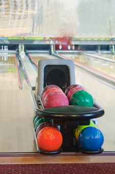 Free Colorful Bowling Balls Royalty Free Stock Photos - 21026748