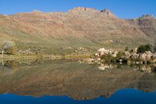 Free Perfect Mountain Reflection Royalty Free Stock Photos - 21028358