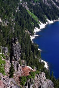 Free Guardian Of Crater Lake Royalty Free Stock Image - 21028616