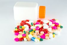 Free Colorful Tablets With Capsules Royalty Free Stock Images - 21029269