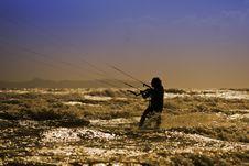 Free Kite Surfing Royalty Free Stock Photo - 21032355