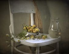 Free Pears And Jug With Water Royalty Free Stock Photography - 21034467