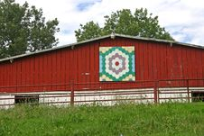 Free Grandmother S Flower Garden Quilt Barn Royalty Free Stock Photo - 21035245