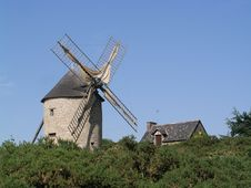 Free Windmill At Dol De Bretagne Stock Photo - 21035400
