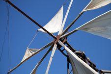 Free Wind Turbine Royalty Free Stock Image - 21037046