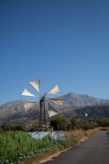 Free Wind Turbine Royalty Free Stock Image - 21037206
