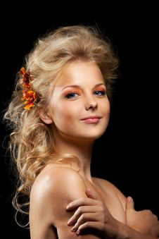 Free Beautiful Blond Woman With Flower Garland Stock Images - 21038974