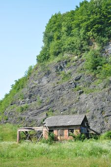 Free Mountain Hut Stock Images - 21042014