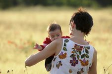 Free Mother And Daughter In A Poppy Field Royalty Free Stock Photos - 21042548
