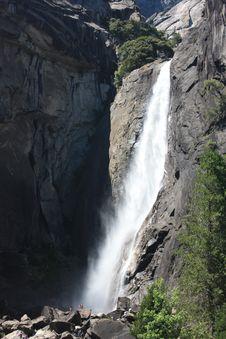 Free Lower Yosemite Falls Stock Photography - 21043932