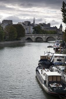 Free Ile De La Cite, Paris Royalty Free Stock Photo - 21044025