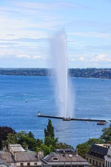 Free Fountain Royalty Free Stock Photos - 21047438
