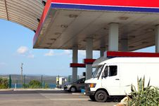 Free Gas Station Royalty Free Stock Photos - 21052398