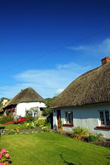 Old Style Irish Cottage Adare Co. Limerick Royalty Free Stock Photos