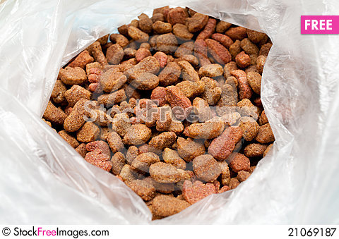 Free Pet Food In A Packet Royalty Free Stock Photography - 21069187