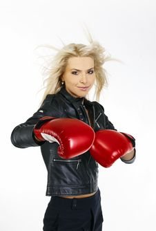 Free Beautiful Boxing Woman Royalty Free Stock Photography - 21067777