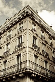 Free Building Facade Royalty Free Stock Images - 21069189