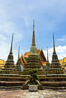Free Wat Pho Temple In Bangkok Royalty Free Stock Photo - 21071965