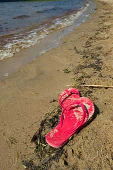 Free Abandoned Flip Flops Stock Photo - 21074510