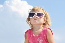 Free Cute Young Girl In Sun Glasses Royalty Free Stock Images - 21076189