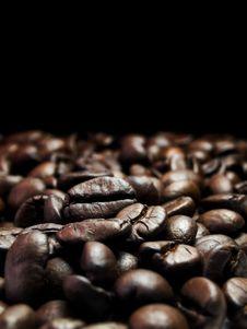 Free Dark Coffee Beans Royalty Free Stock Photo - 21076925