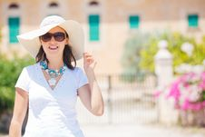 Free Beautiful Young Woman Summer In Hat Royalty Free Stock Photography - 21080617