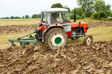 Free Ploughing Field Royalty Free Stock Image - 21081106