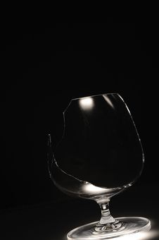 Free Broken Wine Glass Stock Photography - 21082722