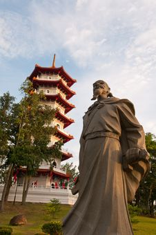 Free Historical Statue And Pagoda Royalty Free Stock Photos - 21085838