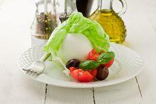 Free Buffalo Mozzarella With Wrapped Lettuce Stock Image - 21086561