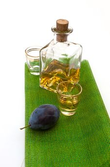 Free Hungarian Plum Brandy Royalty Free Stock Images - 21090179