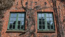 Free Brick House Detail With Windows Royalty Free Stock Images - 21091449