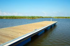 Free Wooden Pier Royalty Free Stock Images - 21091939