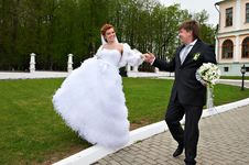 Free Happy Bride And Groom At Wedding Walk Stock Images - 21097544