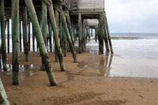 Free Wooden Pier Royalty Free Stock Photos - 2112758