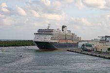 Free Cruise Ship Stock Image - 2116251