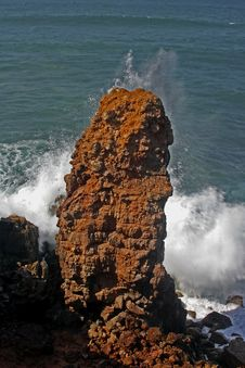 Huge Rock At The  Ocean Royalty Free Stock Image
